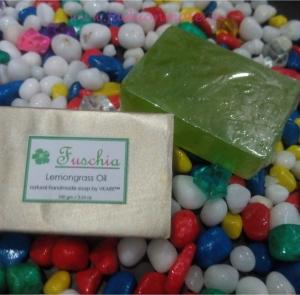 Beauty Reviews- Fuchsia tea rose & Lemongrass Oil Soap Review