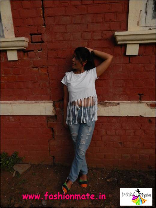 3 different ways to style ripped denims and fringed top