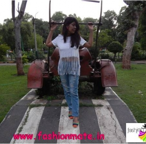 3 different ways to style ripped denims – part 2