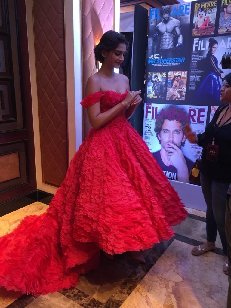Sonam kapoor makes a fashion faux pass