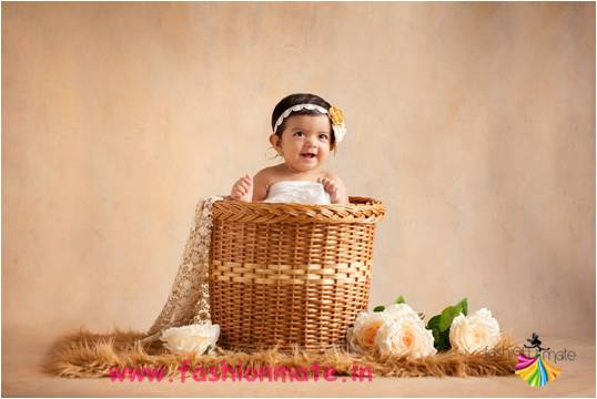 Adorable creative baby girl photo shoot ideas for your for Photography ideas to do at home