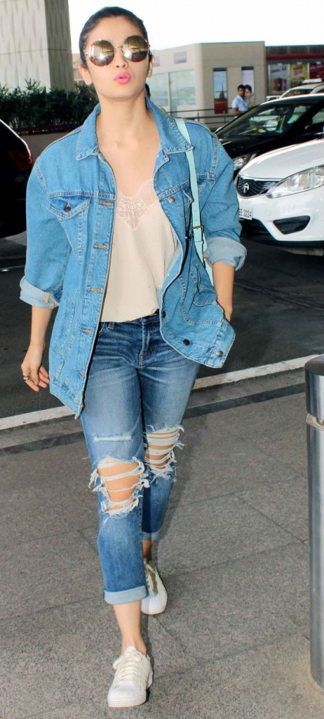 Bollywood fashionista Alia-Bhatt-in denim over denim trend 2017