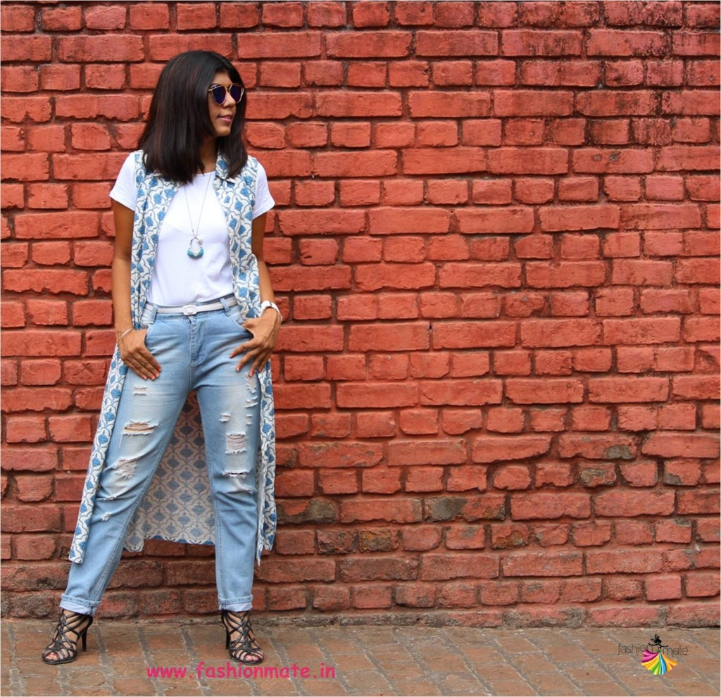 college girl fashion - distressed denims boots and middle parting hairstyle