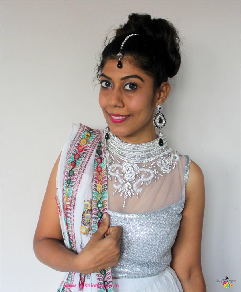 navratri fashion makeup - silver grey smokey eyes