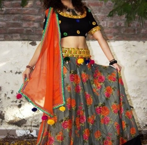 Navratri Fashion Trends 2017 – Chaniya Choli Designs to try this year!