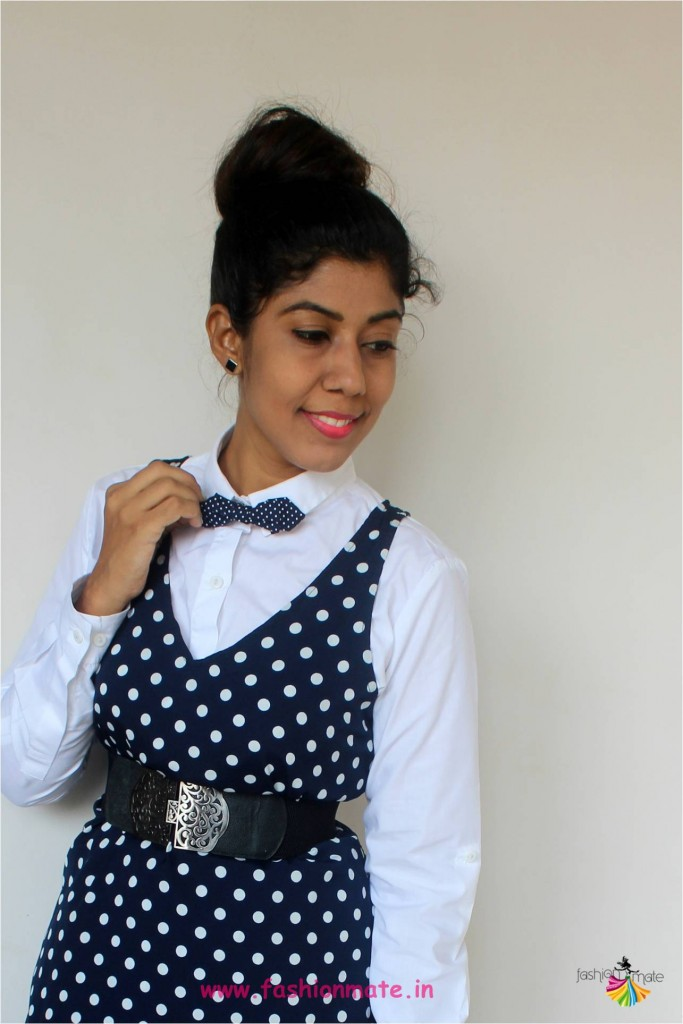 Women's bowtie fashion trend - How to style bowtie for 70's retro look