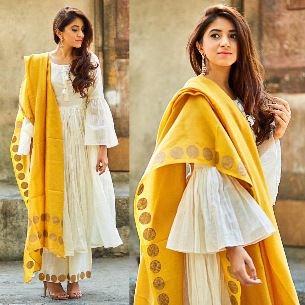 fancy kurta palazzo with yellow dupatta - haldi function outfit 2018