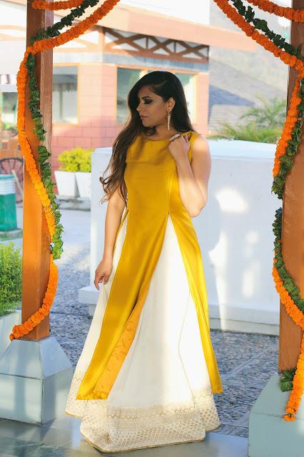 slit kurta haldi ceremony outfit ideas for sister of bride 2018