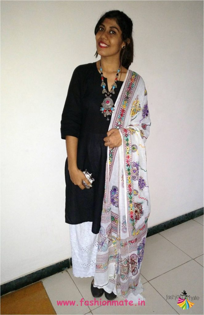 traditional desi girl with indian dress